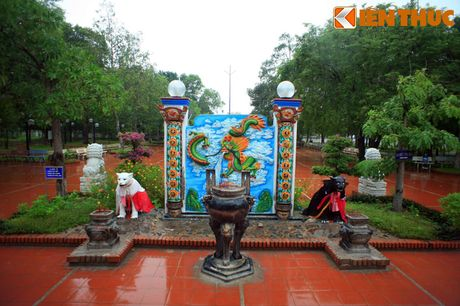 Truyen thuyet cam dong ve dinh Thay Thim noi tieng troi Nam - Anh 11