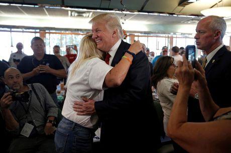 Nhung nguoi phu nu cuong nhiet ung ho Donald Trump - Anh 10