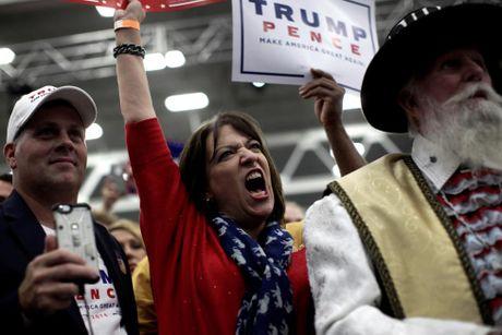 Nhung nguoi phu nu cuong nhiet ung ho Donald Trump - Anh 8
