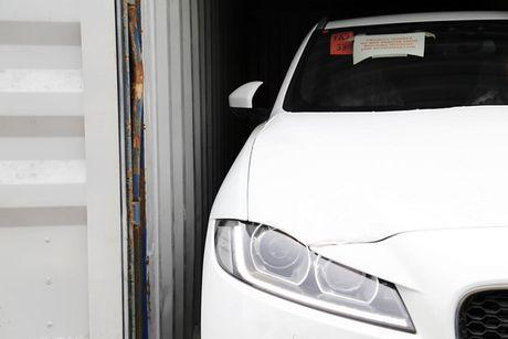 SUV hang sang F-Pace dau tien cua Jaguar 'cap ben' VN - Anh 2
