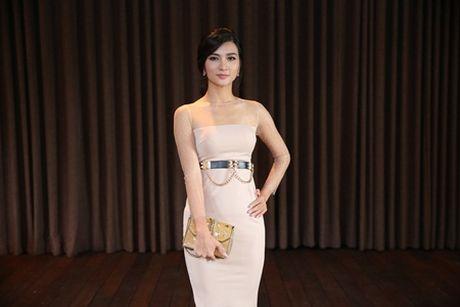 "Kim Tuyen, Quynh Chi do nhan sac ""gai mot con trong mon con mat"" - Anh 4"