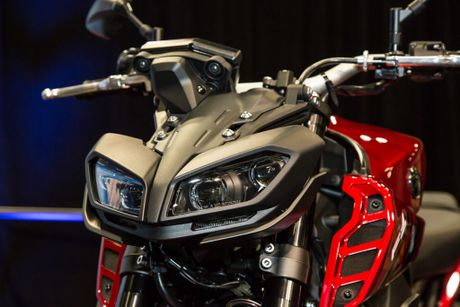 Yamaha ra mat FZ-09 2017 - noi chong truot, dau den giong Z1000, 100 ma luc - Anh 2