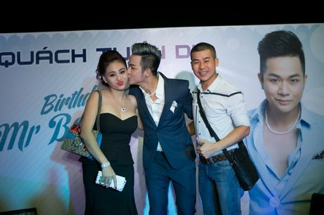 Dan sao Viet xung xinh trong tiec sinh nhat Quach Tuan Du - Anh 15
