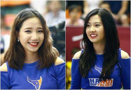 Hot girl co vu - 'dac san' khong the thieu tai giai bong ro VBA - Anh 4