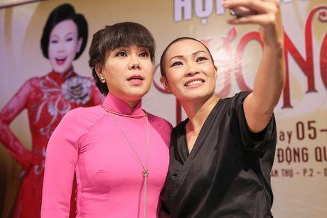 Bi mat chua bao gio tiet lo ve chuyen Viet Huong 'suyt xiu' vi Phuong Thanh - Anh 1