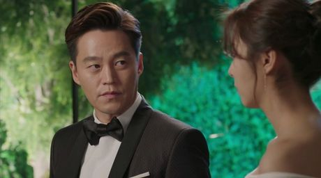 """My nhan co doi chan dep nhat xu Han nhan nhin lam """"vo 100 ngay"""" cho trai giau 7x - Anh 3"""