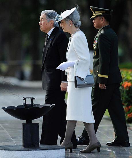 Hoang hau Nhat Ban 81 tuoi mac dep vuot thoi gian - Anh 15