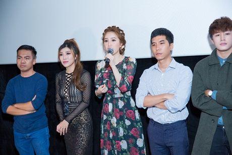 Theo chan Bao Thy vao xu so than tien trong MV moi - Anh 1