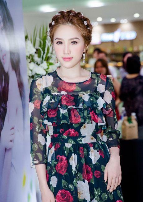 Theo chan Bao Thy vao xu so than tien trong MV moi - Anh 2