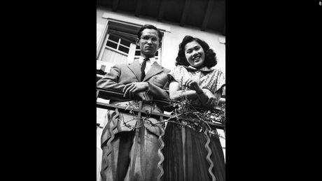 Cuoc doi nha vua Thai Lan Bhumibol Adulyadej qua anh - Anh 3