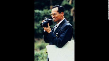 Cuoc doi co Quoc vuong Thai Lan Bhumibol Adulyadej qua anh - Anh 10