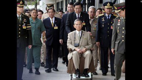Cuoc doi co Quoc vuong Thai Lan Bhumibol Adulyadej qua anh - Anh 14