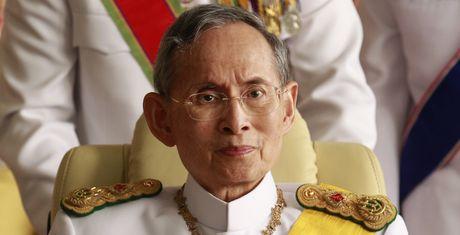 Cuoc doi co Quoc vuong Thai Lan Bhumibol Adulyadej qua anh - Anh 1