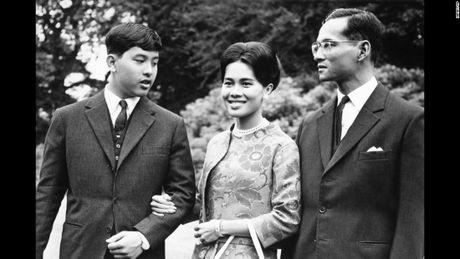 Cuoc doi co Quoc vuong Thai Lan Bhumibol Adulyadej qua anh - Anh 8