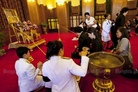 Thai Lan cu hanh le don linh cuu Quoc vuong Bhumibol Adulyadej - Anh 10