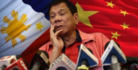 'Co the buoc Duterte toi phan quoc neu trao Scarborough cho TQ' - Anh 1