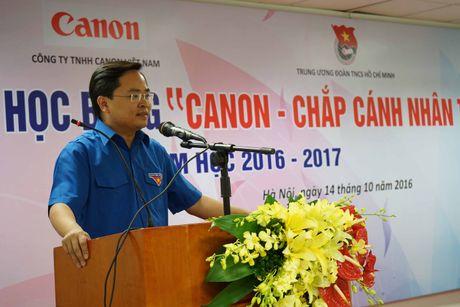 Trung uong Doan va Canon trao hoc bong chap canh nhan tai - Anh 2