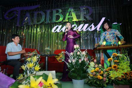 Xa thu Hoang Xuan Vinh sanh vai cung nu ca si Bach Tra - Anh 5