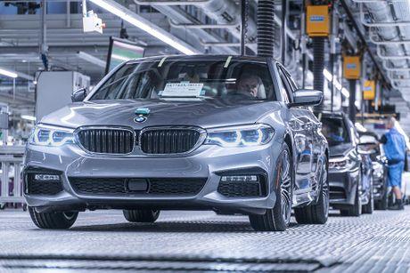 'Dot nhap' nha may chu luc che tao BMW 5 Series 2017 - Anh 19