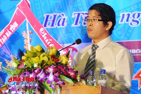 Gan 7.000 SV Dai hoc Ha Tinh buoc vao nam hoc 2016-2017 - Anh 2