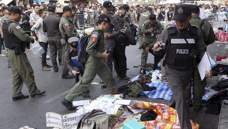 Thai Lan bat giu 44 thanh nien tinh nghi len ke hoach danh bom Bangkok - Anh 1