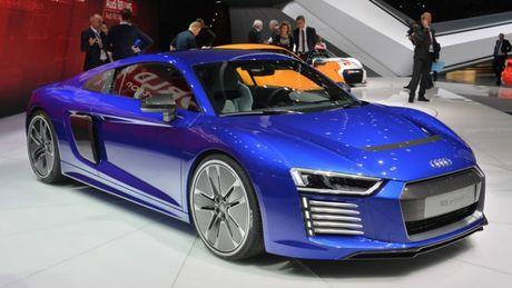 Them Audi R8 e-tron bi khai tu vi qua 'e' - Anh 2