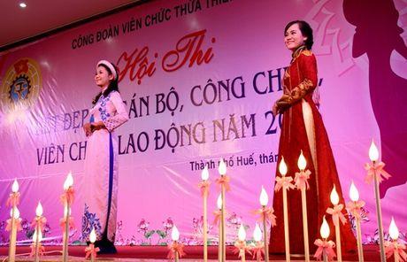 Ngam ve dep cua nu CNVC-LD thuot tha trong ta ao dai Hue - Anh 7