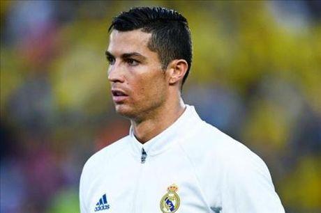 "Ronaldo: ""Giac mo cua toi la duoc tiep tuc choi cho Real"" - Anh 1"