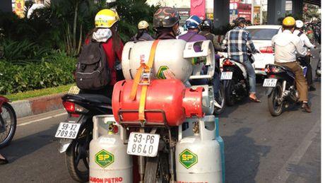 Doanh nghiep doi boi thuong neu ha dieu kien kinh doanh gas - Anh 1