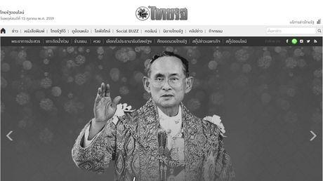 Hang loat trang bao Thai Lan chuyen mau den de tang Vua Bhumibol Adulyadej - Anh 3