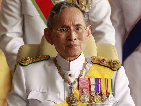 Quoc vuong Bhumibol: Vi Vua duoc yeu men nhat trong lich su Thai Lan - Anh 4