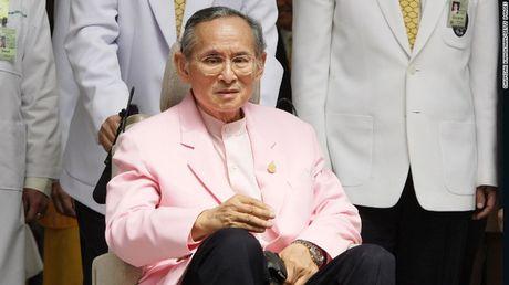 Quoc vuong Bhumibol: Vi Vua duoc yeu men nhat trong lich su Thai Lan - Anh 5