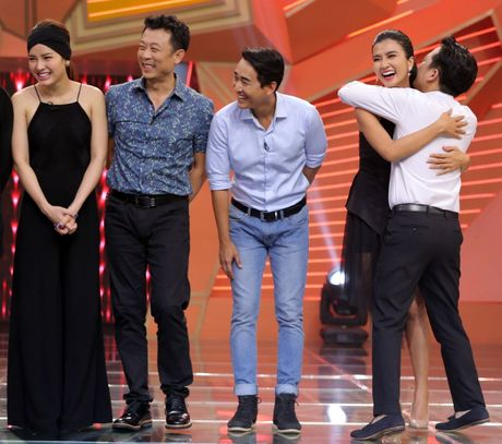 Truong Giang om chat Kim Tuyen trong game show - Anh 4