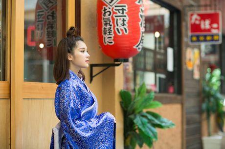 Hoang Yen Chibi diu dang trong trang phuc kimono - Anh 1