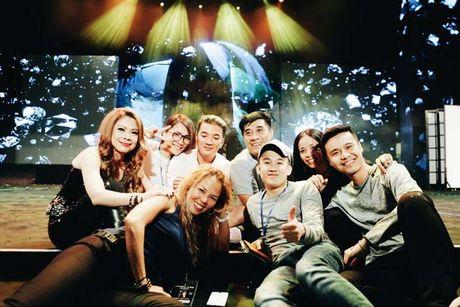 Mr Dam va e kip luyen tap den 2 gio sang cho liveshow 12 ty tai Ha Noi - Anh 7