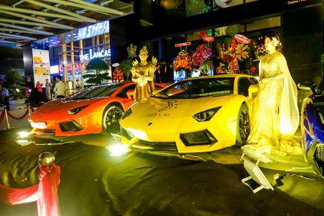 'Loa mat' truoc dan sieu xe toan Lamborghini tu hoi tai Sai Gon - Anh 5