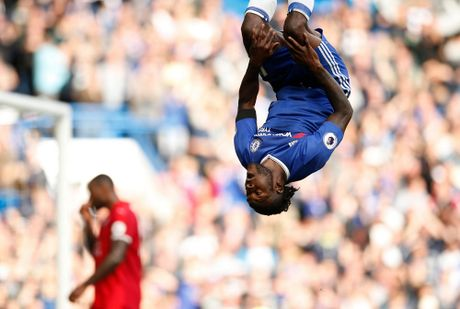 Costa, Hazard, Moses lap cong, bay cao an no hanh cua Chelsea - Anh 10
