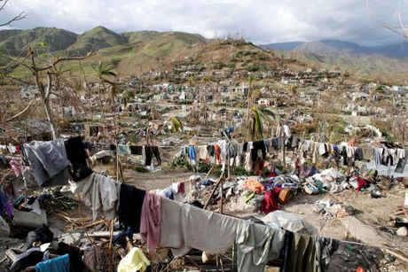 Tham canh cua nguoi dan Haiti sau dai chan bao Matthew - Anh 3