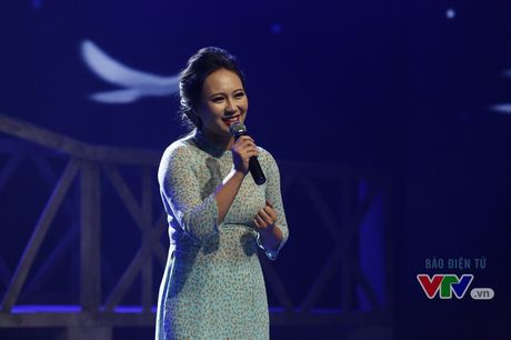 Hoa mi Khanh Linh khoe ve dep dam tham - Anh 1