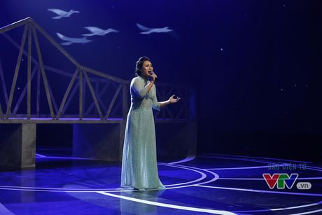 Hoa mi Khanh Linh khoe ve dep dam tham - Anh 6