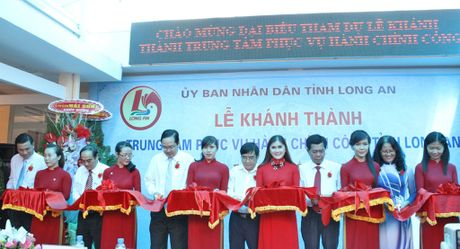 Long An dua thu tuc hanh chinh cua 6 So ve Trung tam phuc vu hanh chinh cong - Anh 1