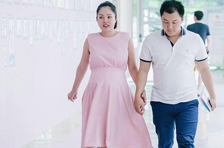 Duong Cam Lynh sinh con dau long - Anh 1