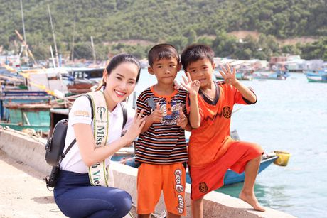 Nam Em lot top 10 nguoi dep sang gia cua Hoa hau Trai dat 2016 - Anh 4