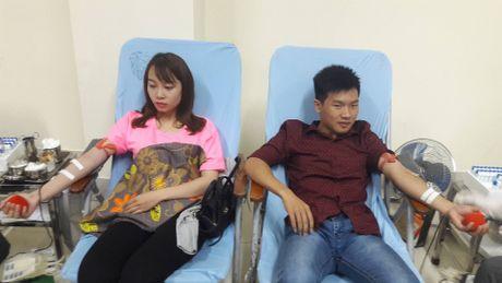 Hang ngan sinh vien tham gia hien mau tai Ha Noi - Anh 2