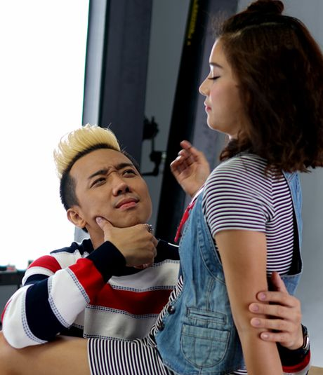 Vang Hari Won, Tran Thanh tinh tu than mat ben Hoang Yen Chibi - Anh 2