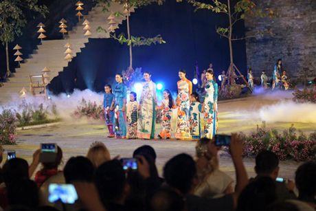 Festival Ao dai Ha Noi 2016: Lung linh sac mau truyen thong - Anh 3