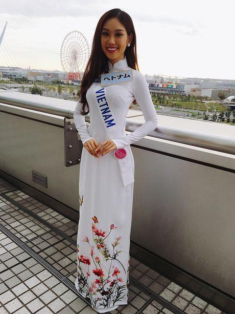 Phuong Linh bat ngo duoc to chuc sinh nhat ben thi sinh Hoa hau Quoc te 2016 - Anh 14