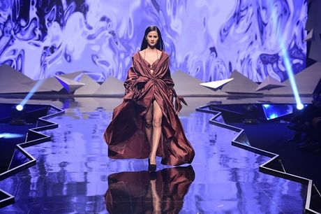 Quan quan Vietnam's Next Top Model Huong Ly 'song dep' cung sinh vien - Anh 5