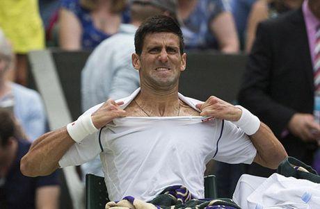 Chieu tro: Djokovic dap vot, xe ao van thua dau - Anh 1