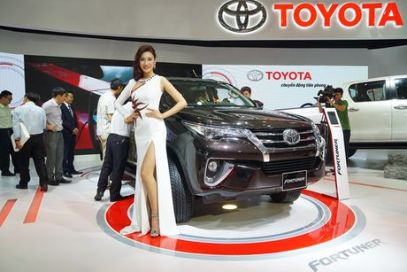 Toyota Fortuner the he moi ra mat thi truong Viet - Anh 11